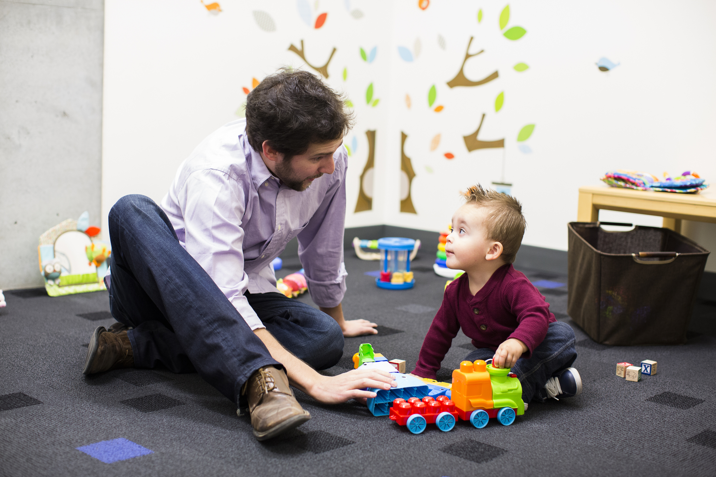 Professor Eric Walle with child psychology subject.